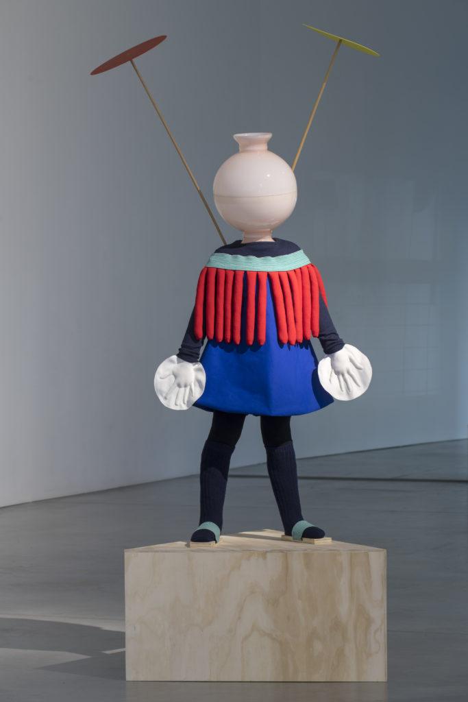 Tout doit disparaitre. Des artistes de la collection du Capc investissent dix vitrines du centre-ville de Bordeaux